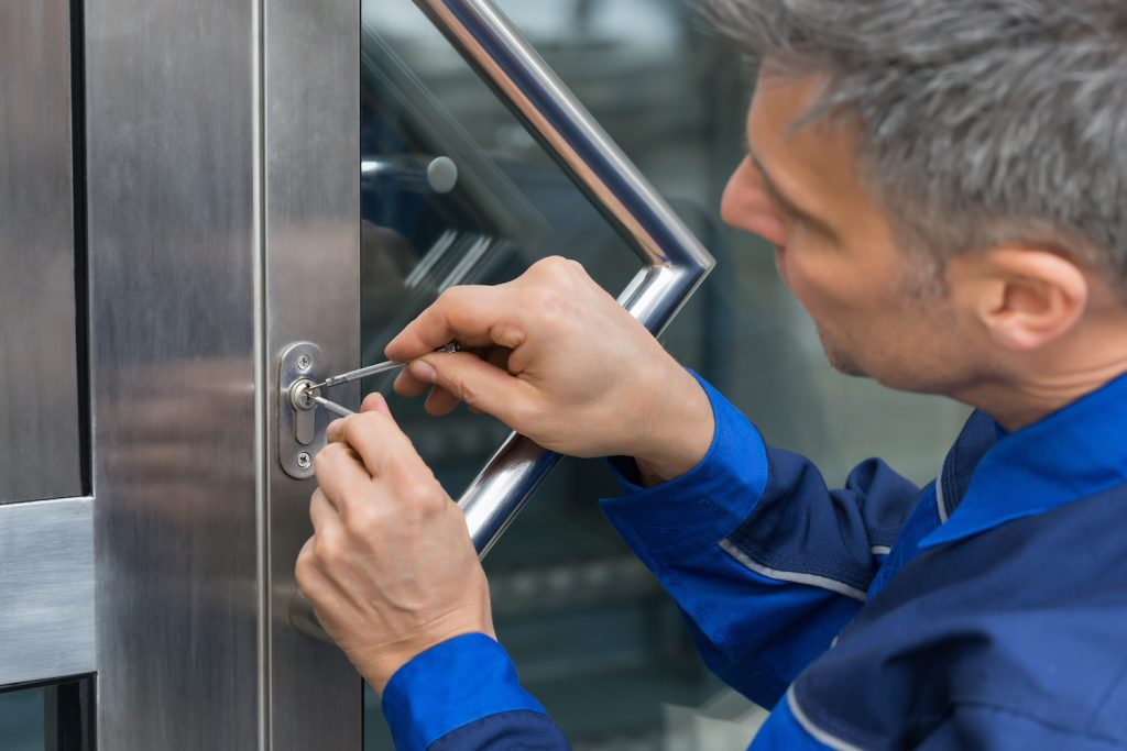 Reasons to Hire an Emergency Locksmith